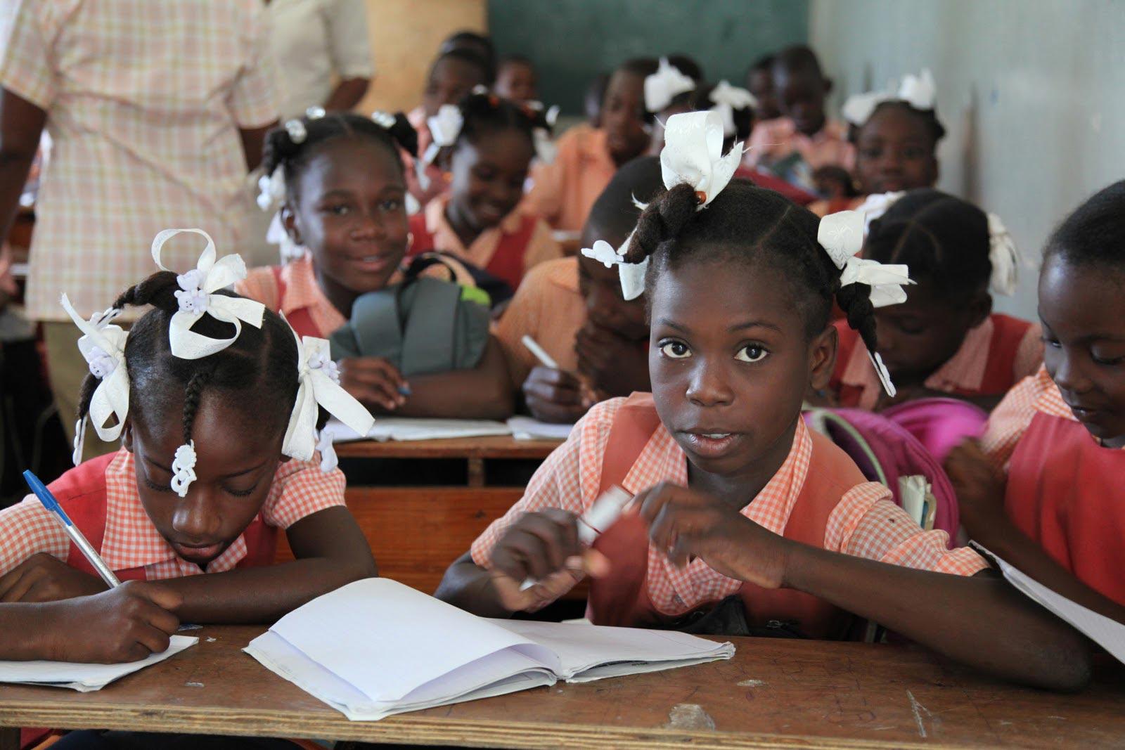 Haïti - Enfants à l'école